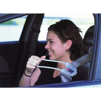 easy-reach-seatbelt2-blk-img-01